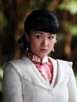 刘子萍(黄曼饰演)