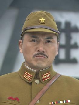 冈村(淳于珊珊饰演)