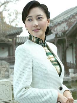 赵一荻(应采儿饰演)
