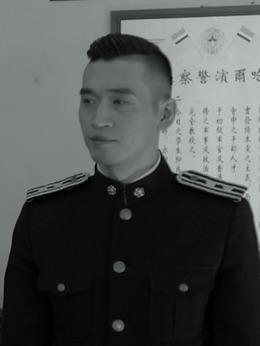 白冷晨(栾元晖饰演)