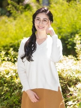 叶晓春(韩瑜饰演)