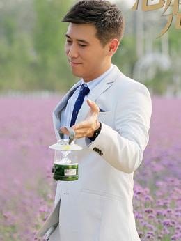 张铭阳(李乃文饰演)