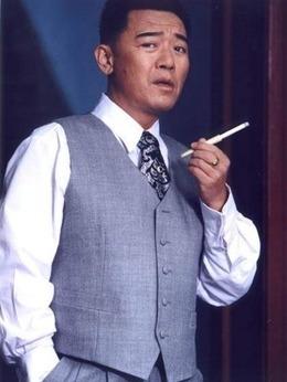 祝鸿才(李立群饰演)