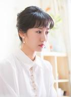 朱丽(李念饰演)
