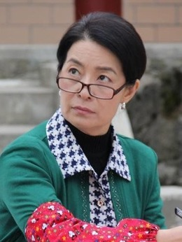王桂香(顾艳饰演)