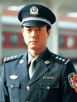 江汉(董勇饰演)