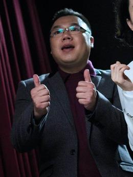 教授(姜超饰演)
