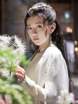 蘇櫻(梁潔飾演)