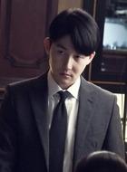 沈敏硕(金俊汉饰演)