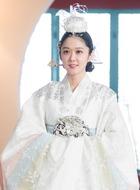 吴珊妮(张娜拉饰演)