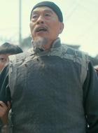 翁父(杨宝龙饰演)