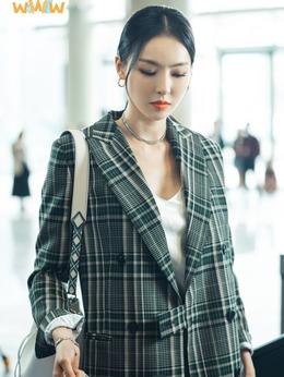 车贤(李多喜饰演)