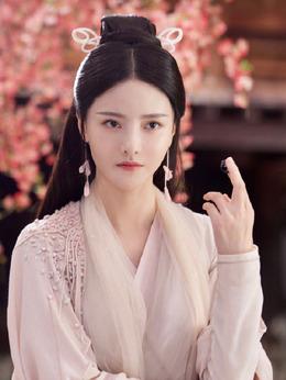 青瑶(张芷溪饰演)