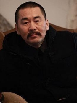 李大钊(陈建斌饰演)