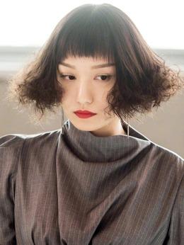 柴紫晶(庄茱淩饰演)