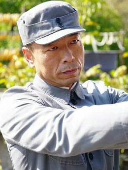 吕司令(王挺饰演)