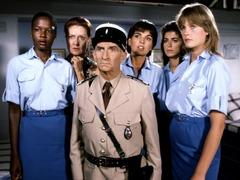 警察与女兵