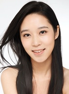 吕青(杨旸饰演)