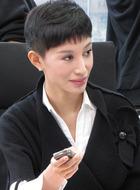 梅姨(侯璎珏饰演)