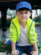 7岁隆延宗(石悦安鑫饰演)