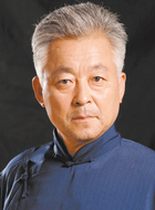 校长(刘广厚饰演)