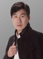 皮长山(孟令宇饰演)