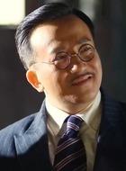老韩(金铁峰饰演)