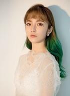 刘佳(泓萱饰演)