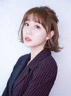 吉娜(李欣燃饰演)