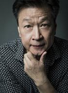 Hua Zhou(马志饰演)